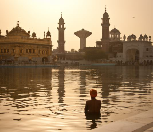 Dear SGPC, Homophobia Has No Place In Sikhism