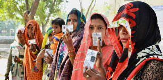 यूपी चुनाव 2017 : बेटी, बहु और पत्नी की उम्मीदवारी 'पितृसत्ता के घूंघट की ओट से'