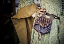 The Sexist History Of No Pockets In Women's Clothing | Feminism In India
