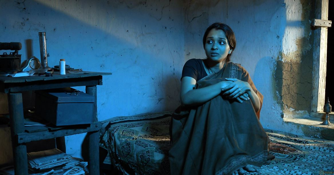 Ottamuri Velicham (A Light in the Room) Explores A Wife's Struggle For Liberation